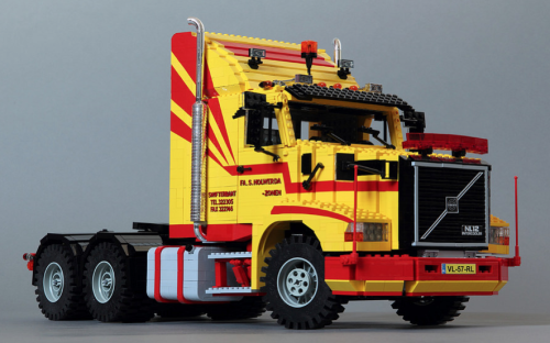 lego Volvo N 12 long nose truck